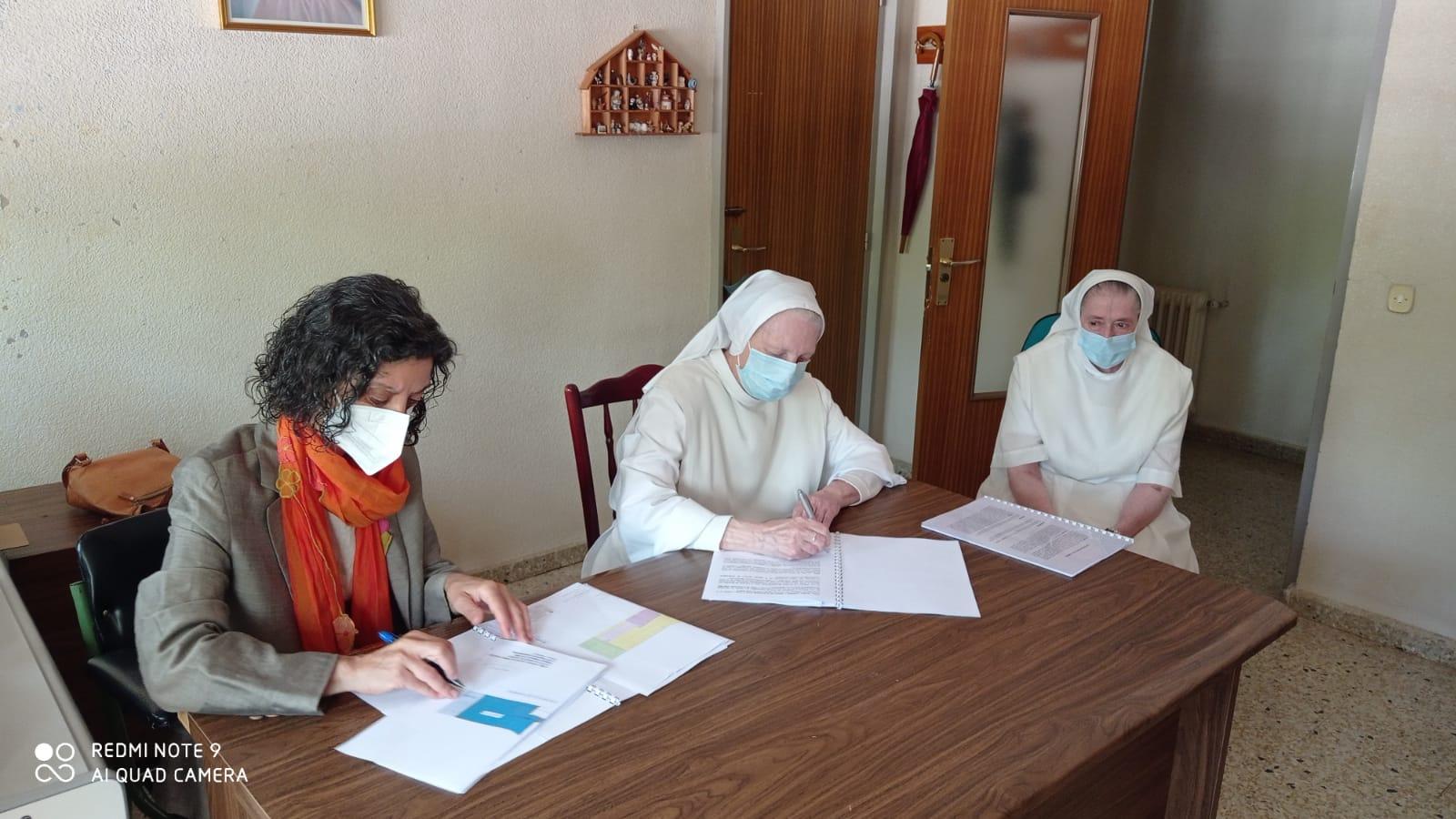 Firma acuerdo Angélicas 16 junio 2021 - Cohousing Palencia